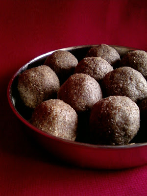 Ragi Sunnundalu ~ Finger Millet Jaggery Balls
