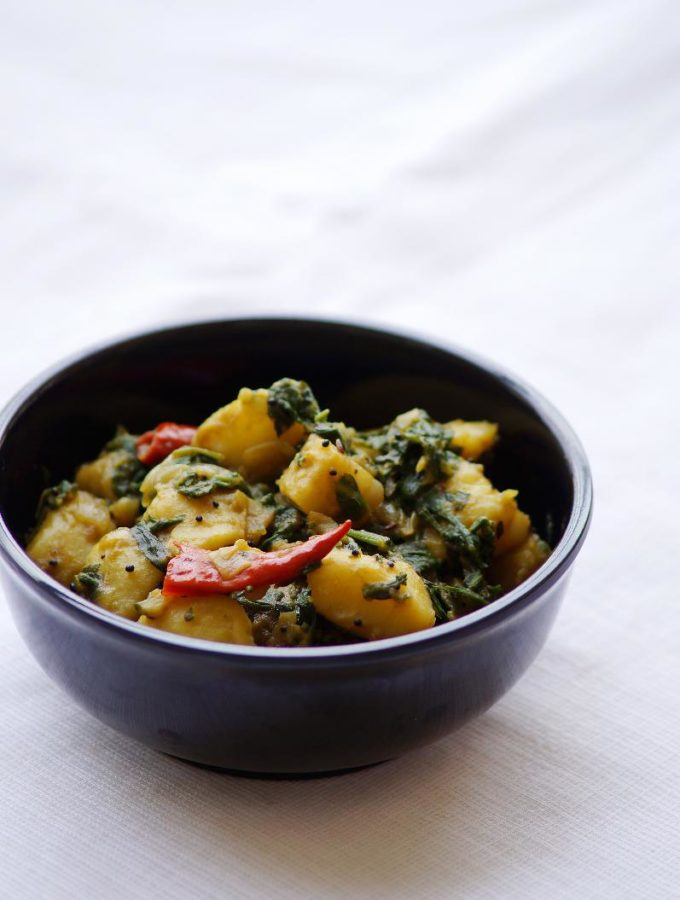 Saag Aloo Recipe – How to make Saag Aloo Recipe – North Indian Curry Recipes