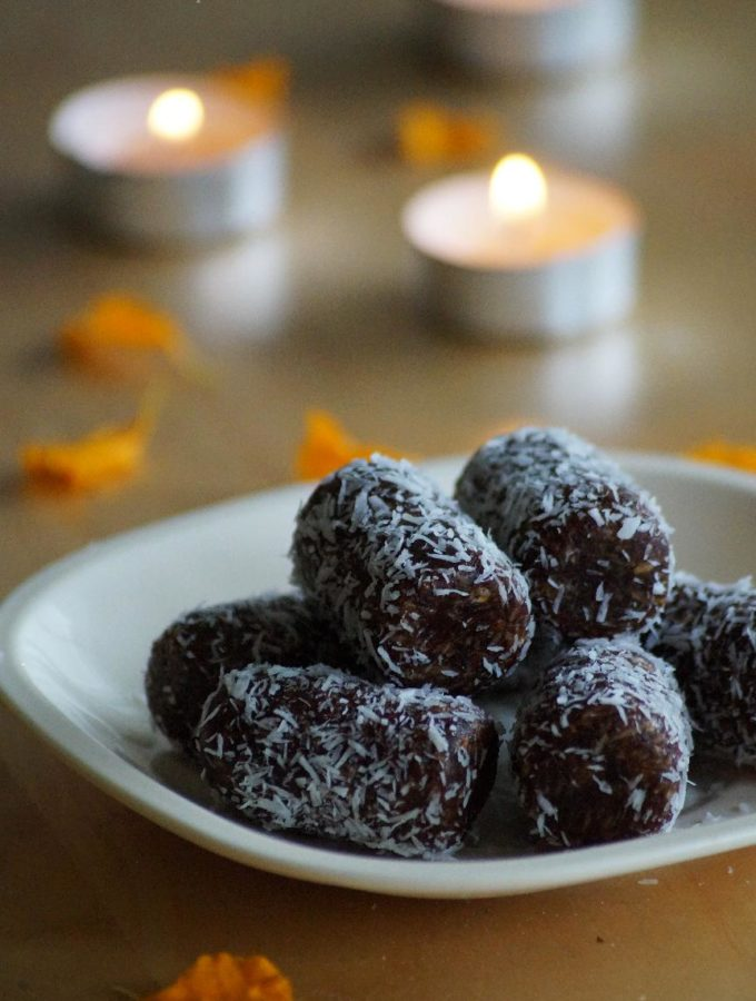 Date Coconut Rolls Recipe – How to make Coconut Date Rolls Recipe – Easy Diwali Sweets Recipes