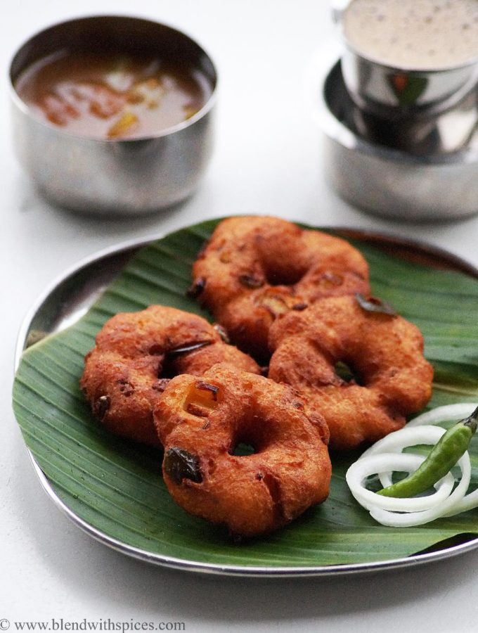 Bread Vada Recipe – South Indian Instant Bread Medu Vada Recipe {Video}