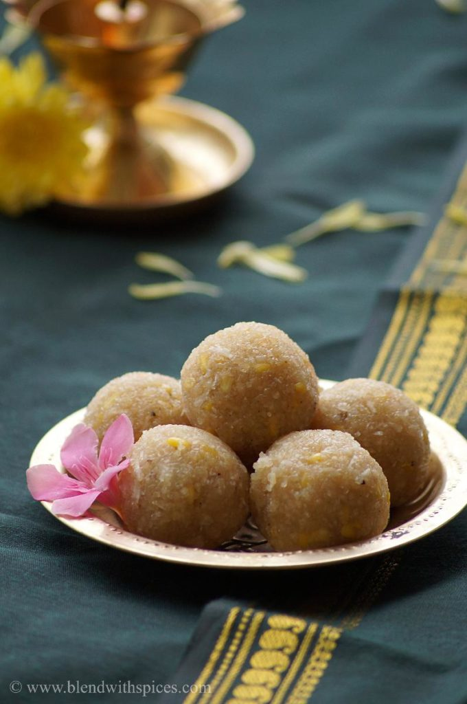 sweet undrallu, jaggery undrallu, how to prepare sweet undrallu recipe