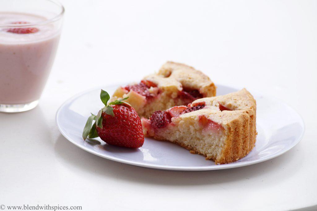 eggless strawberry summer cake recipe, how to make summer cakes