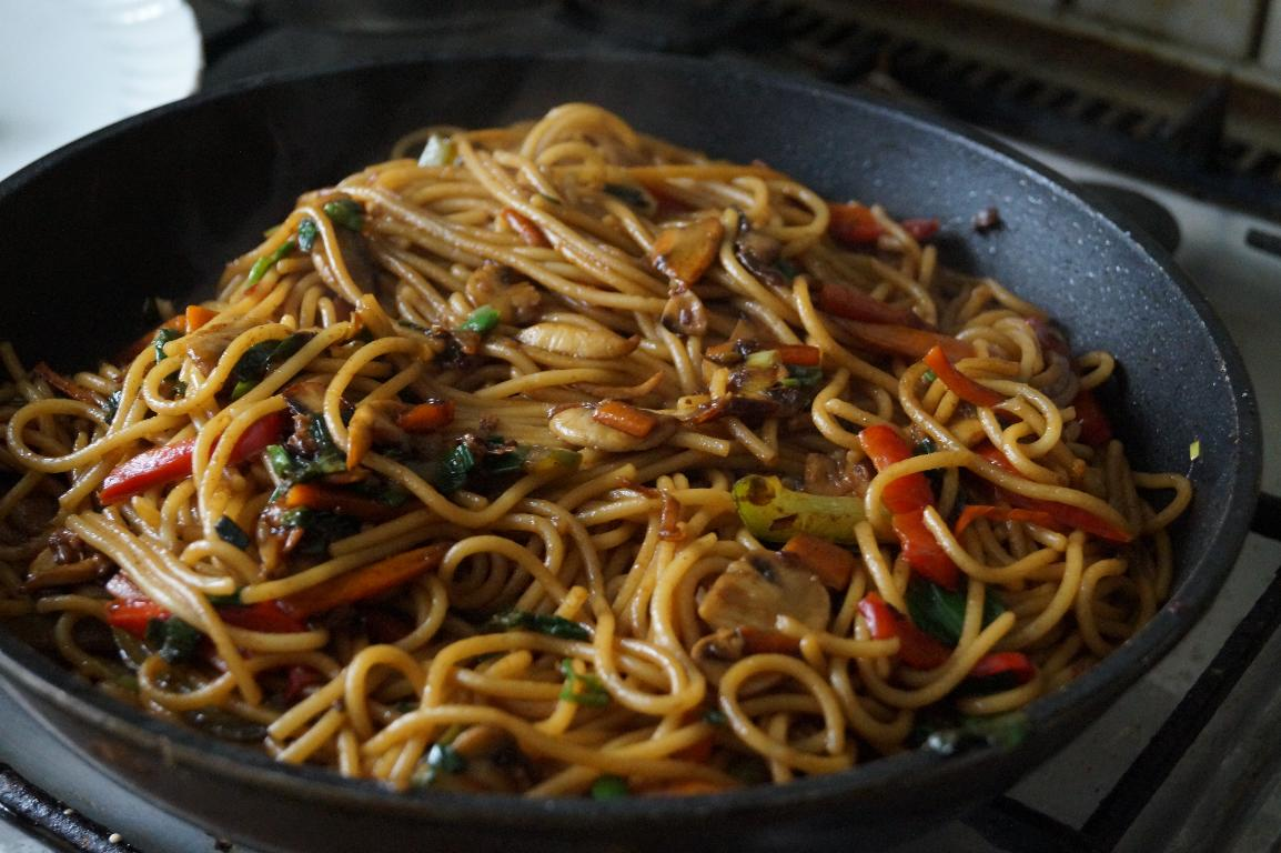 recipe for lo mein noodles, how to prepare quick lo mein noodles with pasta